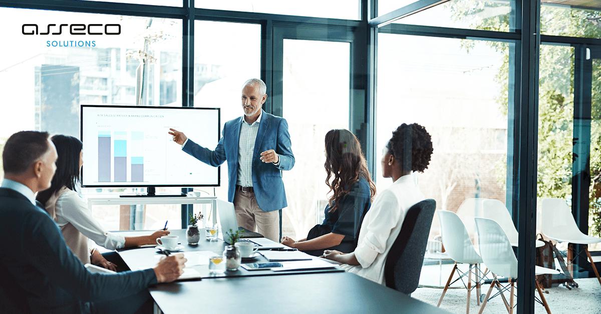 ERP in der Unternehmensführung: Flexible KPI-Dashboards und KI-gestützte Forecasts