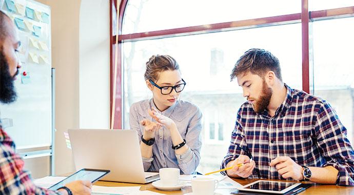 >Welche Anforderungen müssen ERP-Systeme im Mittelstand erfüllen?