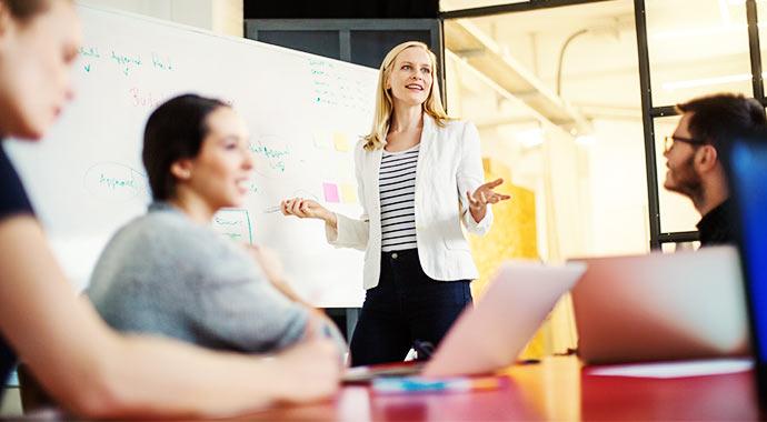 >Wie ist das Team eines ERP-Anbieters typischerweise aufgestellt und was heißt das für Sie?
