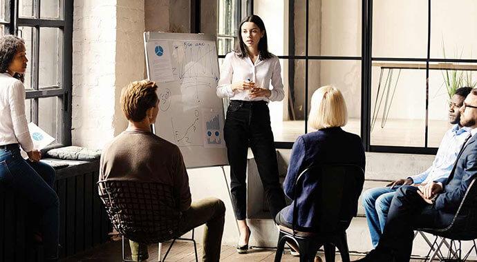 >Fünf Vorteile von ERP für Professional-Service-Unterneh...
